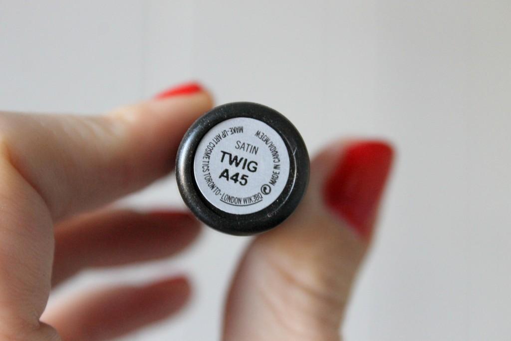 MAc Cosmetics - Twig 2