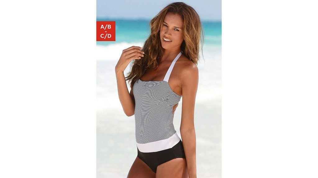 Beach outfits 15520532