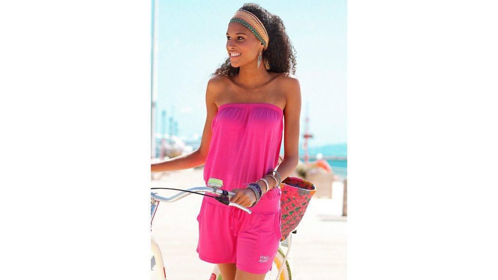 Beach outfits 8592190