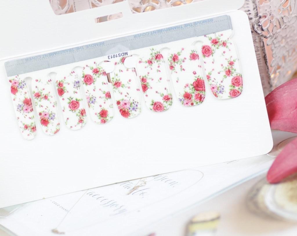Nur Besten Flower Nail Wrap