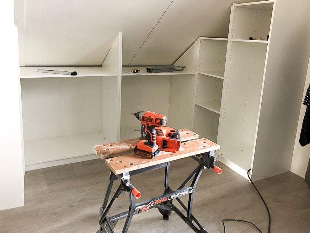 DIY - PAX inloopkast onder een schuin dak!