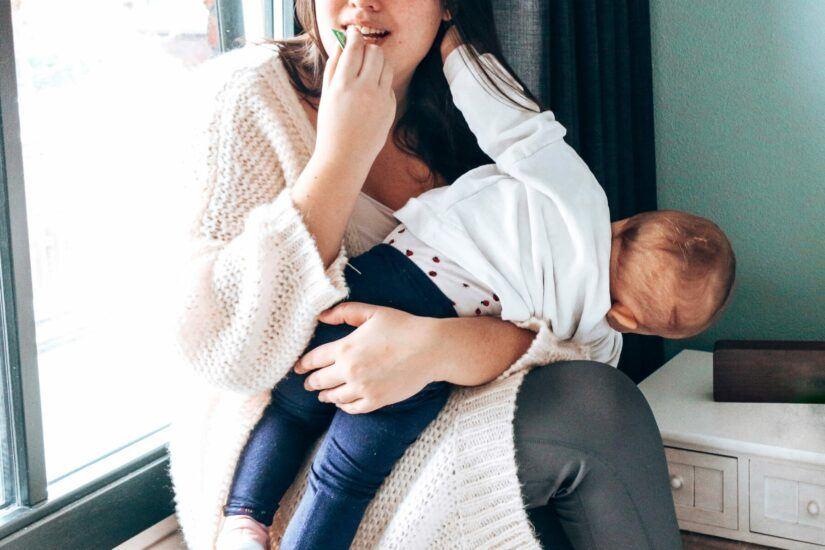 Huidverzorging voor een baby met eczeem weleda