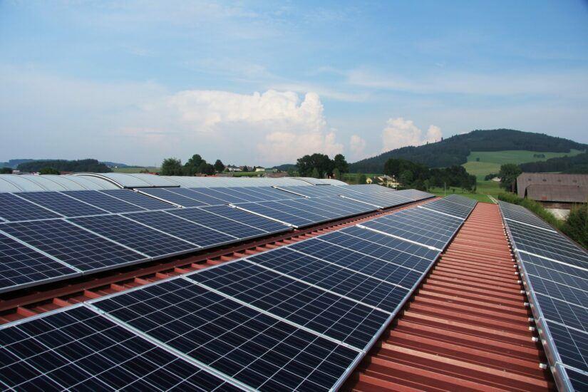 Geld besparen met zonnepanelen, zo doe je dat