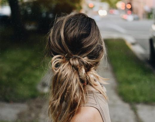 Zo verf je je haren op een natuurlijke manier