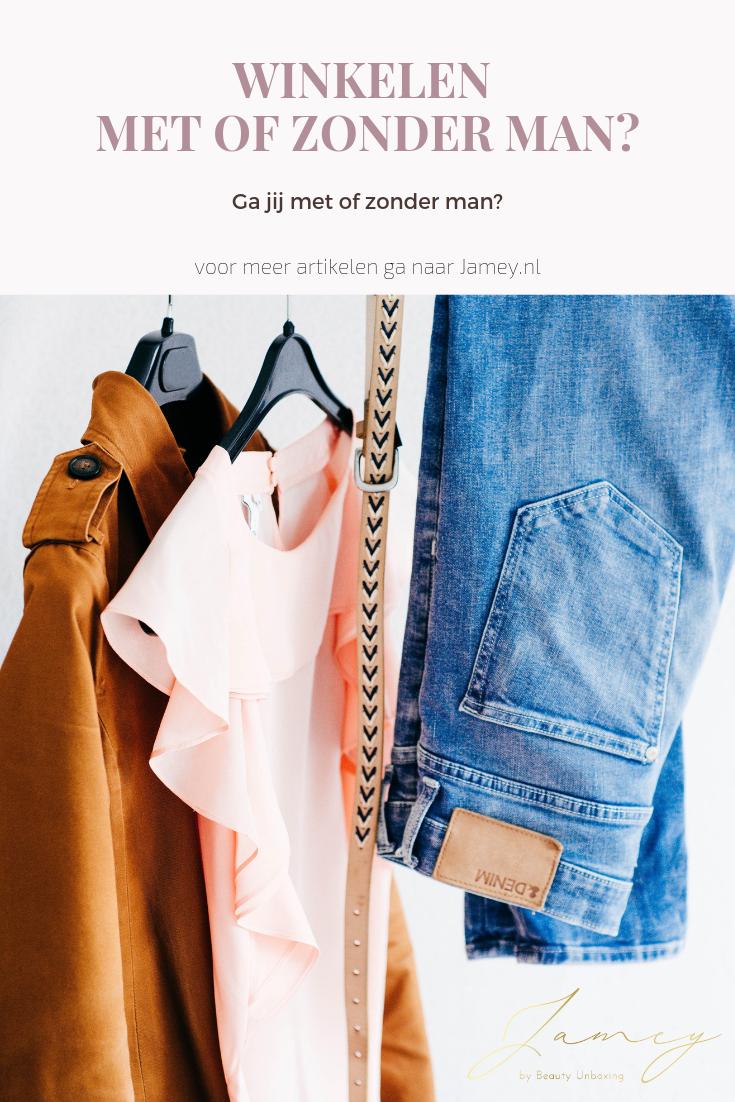 Winkelen met of zonder man kledingrek 1