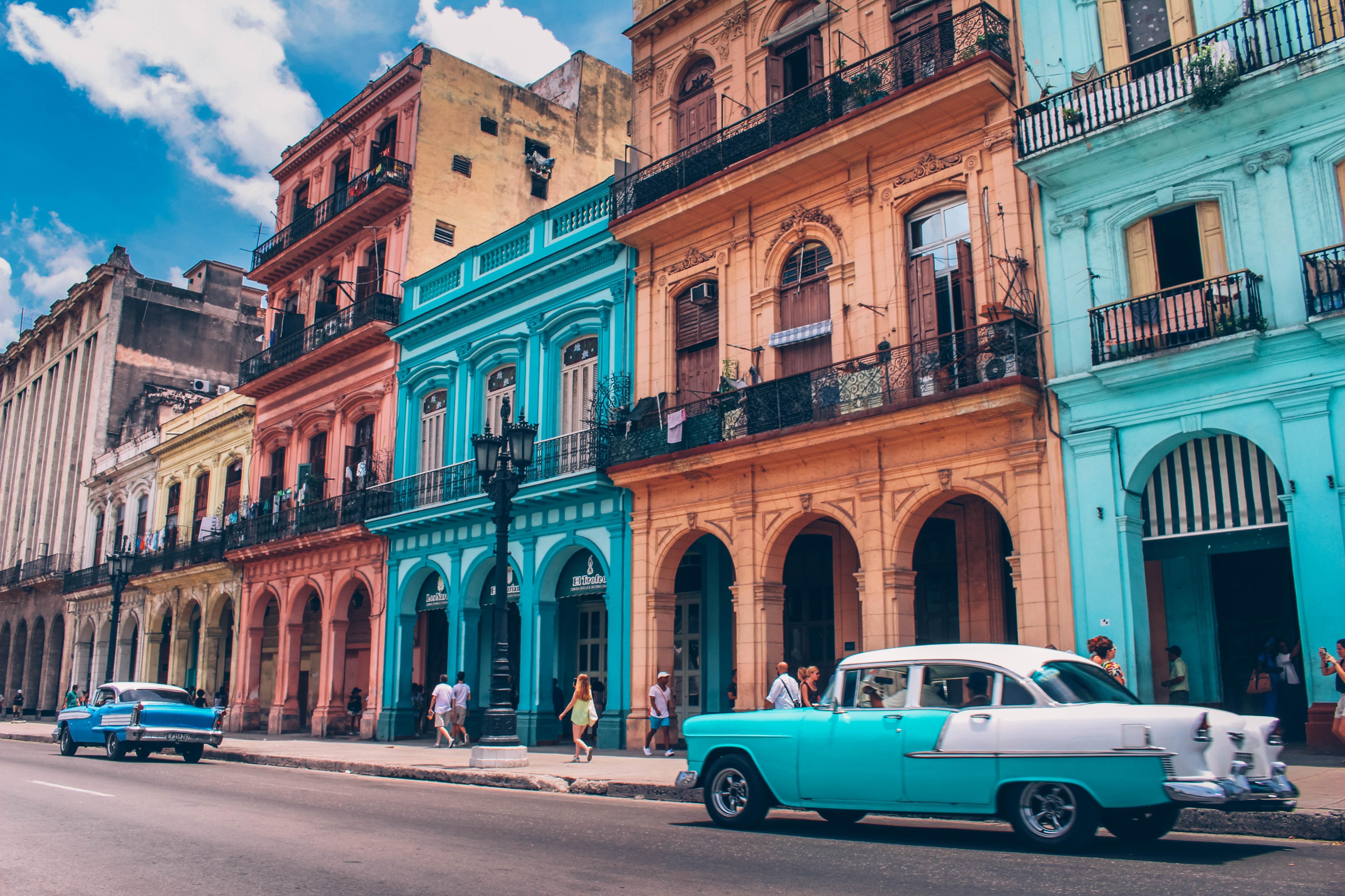 ontdek Cuba en de oldtimer auto's