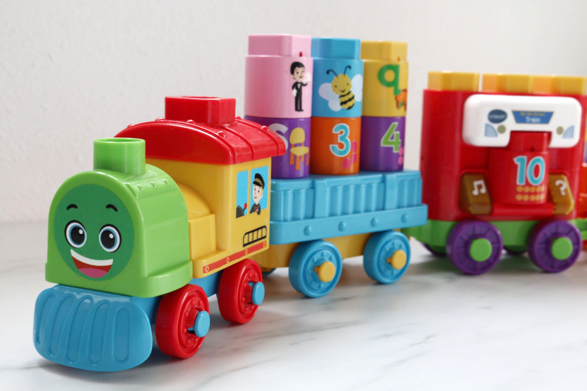 Vtech Bla Bla Blocks trein closeup