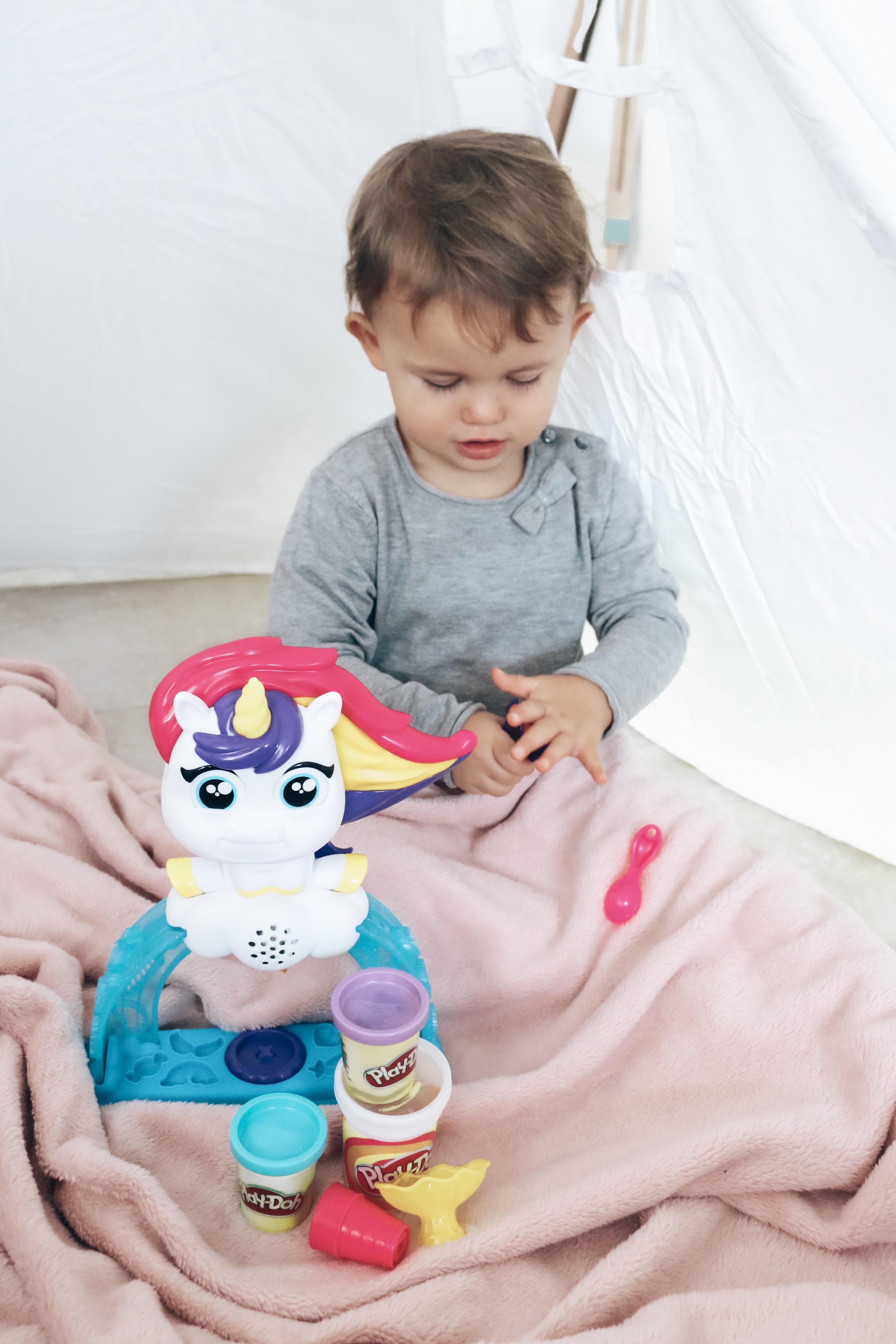 De Drollendraaiende IJseenhoorn van Play-Doh